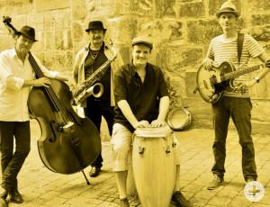 """Am Sonntag treten """"Jazz hits Folk"""" in der Orangerie im Schlosspark auf."""